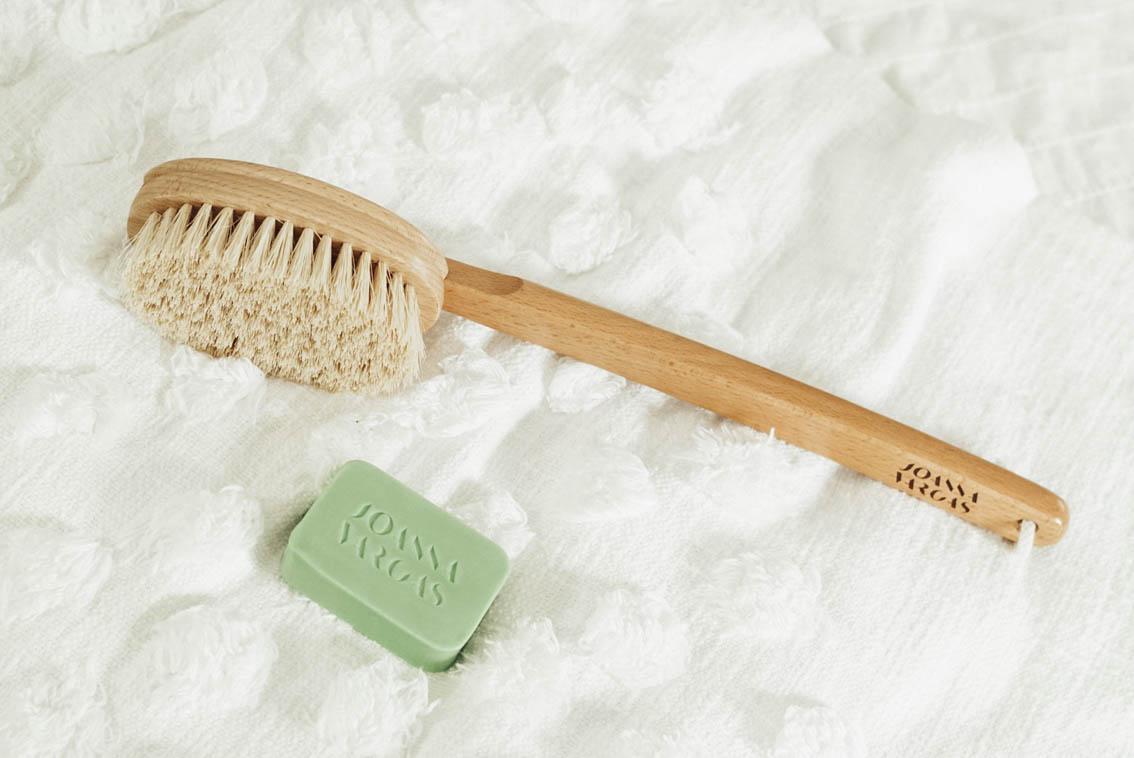 Joanna Vargas Dry Brush Ritual Brush