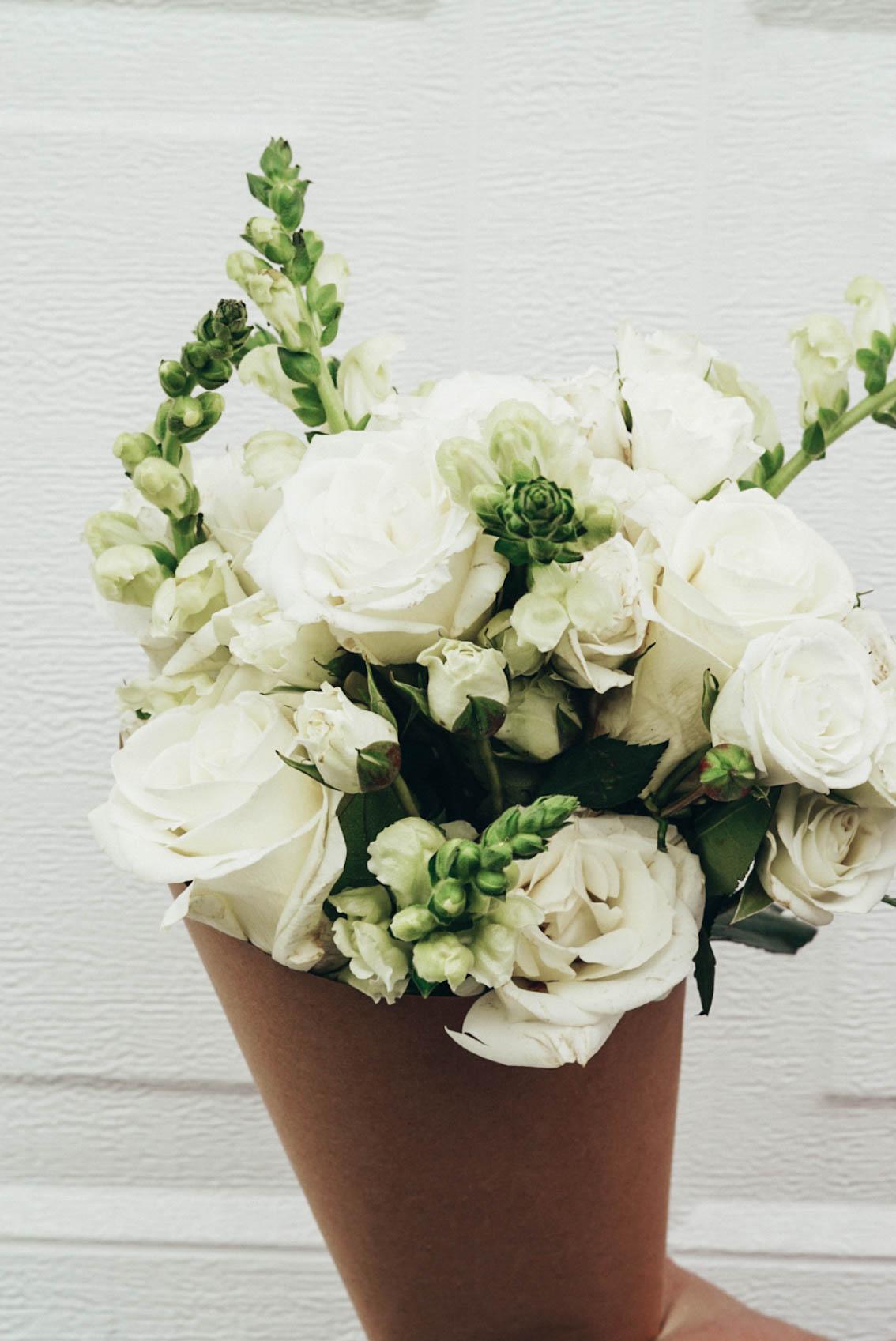 URBANSTEMS FLOWERS - THE BUTTERCREAM BOUQUET